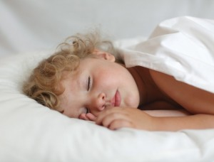 dormire aiuta a sviluppare il neonato