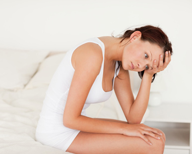 Dolori di vita e urination frequente a donne senza ragione dolore