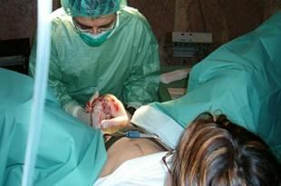 alcune donne godono durante il parto