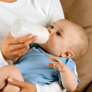 dare da mangiare bambino
