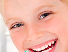 denti gialli bambino