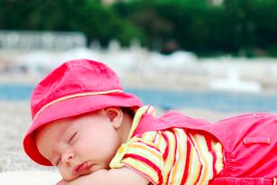 proteggere neonati sole