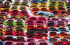 occhiali da sole venditori ambulanti