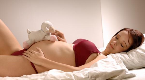 Come dormire comodamente durante la gravidanza mamma for Come trovare la casa perfetta