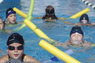 bambini nuoto