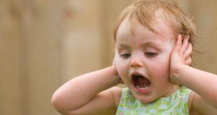 Come comportarsi quando il bimbo fa i capricci