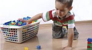 donare o riciclare vecchi giocattoli