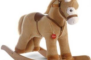 Il cavallo a dondolo è ancora di moda?