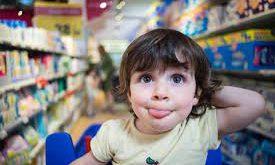bimbi al supermarket